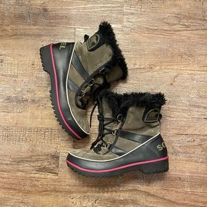 Sorel green and pink waterproof boots